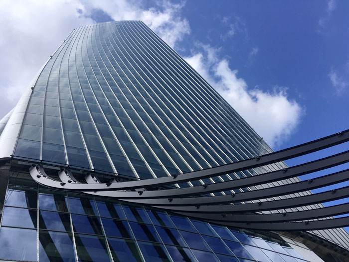Generali-Tower-Redesco_Construction-of-hall-roof.jpg